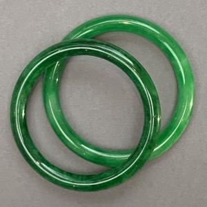 62mm jade bangles overlapping